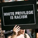 Mais pourquoi donc les «racisés» veulent-ils venir si nombreux dans les pays de la suprématie blanche ?
